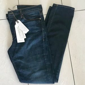 NWT Current Elliot Skinny Jeans. Size 31